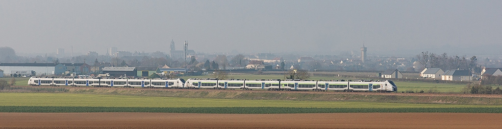 UM B 84500 L - Argentan - 18/03/2016 - Train 3440 - Granville-Paris