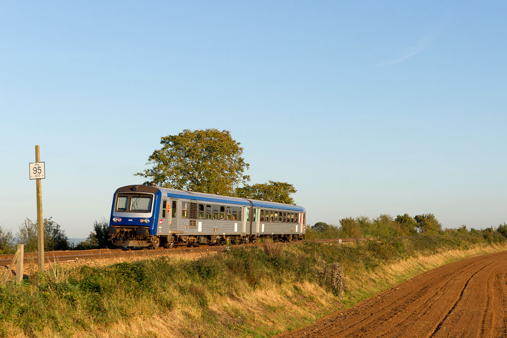 X 4796 - Pertheville-Ners - 14/10/2011