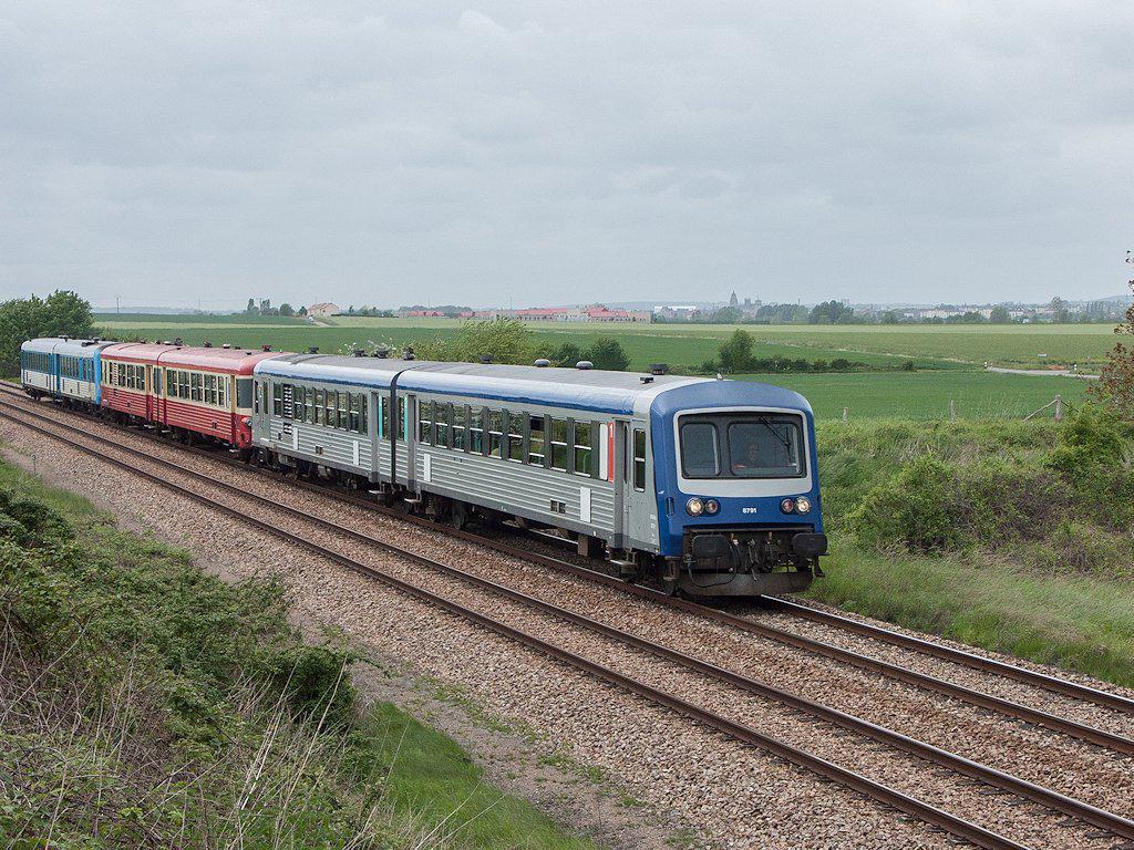 UM3 X 4791/X 4750 - Argentan - 19/05/2006