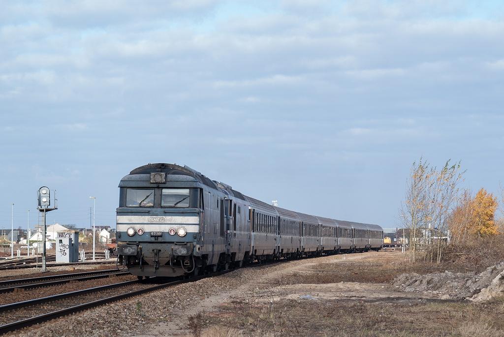 BB 67301 - Argentan - 11/11/2007 - Train 3420 - Granville-Paris