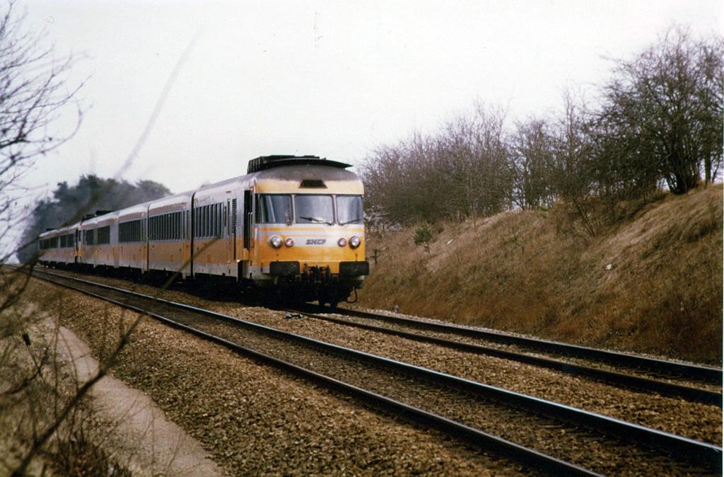RTG - Almenêches - 02/1985 - Train 3414 - Caen-Tours