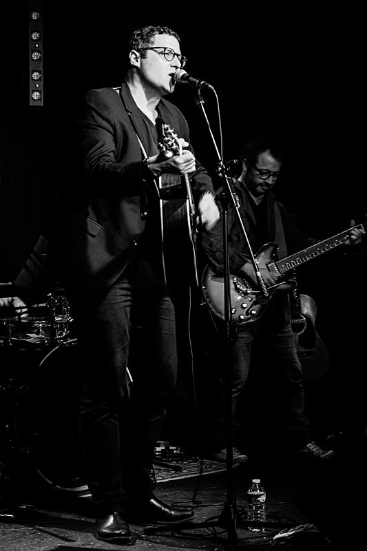 Jean-Christophe (guitare/chant)