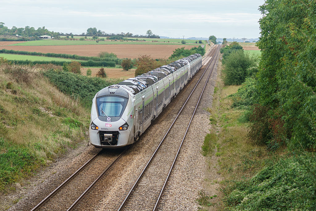 UM B 84571 L/B 84555 L - Argentan - 08/09/2020 - Train 3461/3420 - Paris-Granville/Mont St Michel