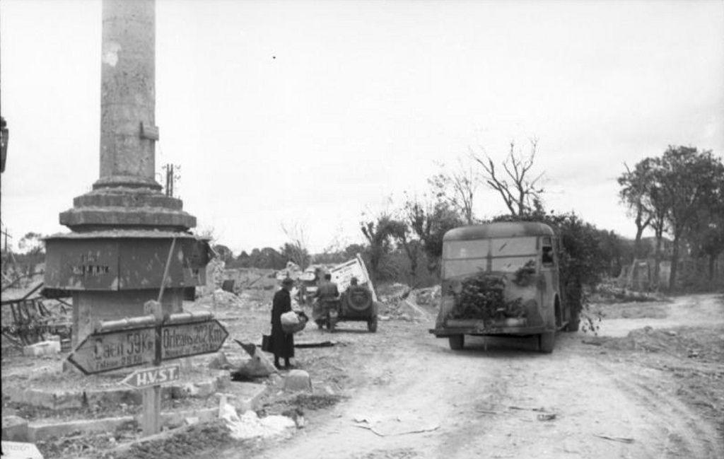 Ruines  - Argentan - Août 1944