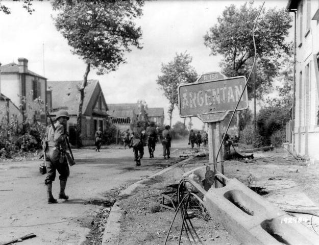 Entré des troupes américaines à Argentan - Août 1944