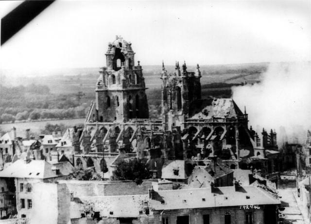 Ruines de l'église St Germain - Argentan - Août 1944