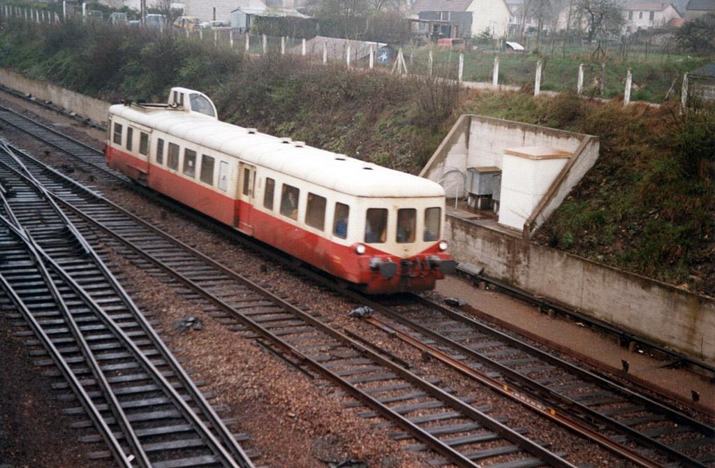 X 3800 - Mézidon - 04/1986