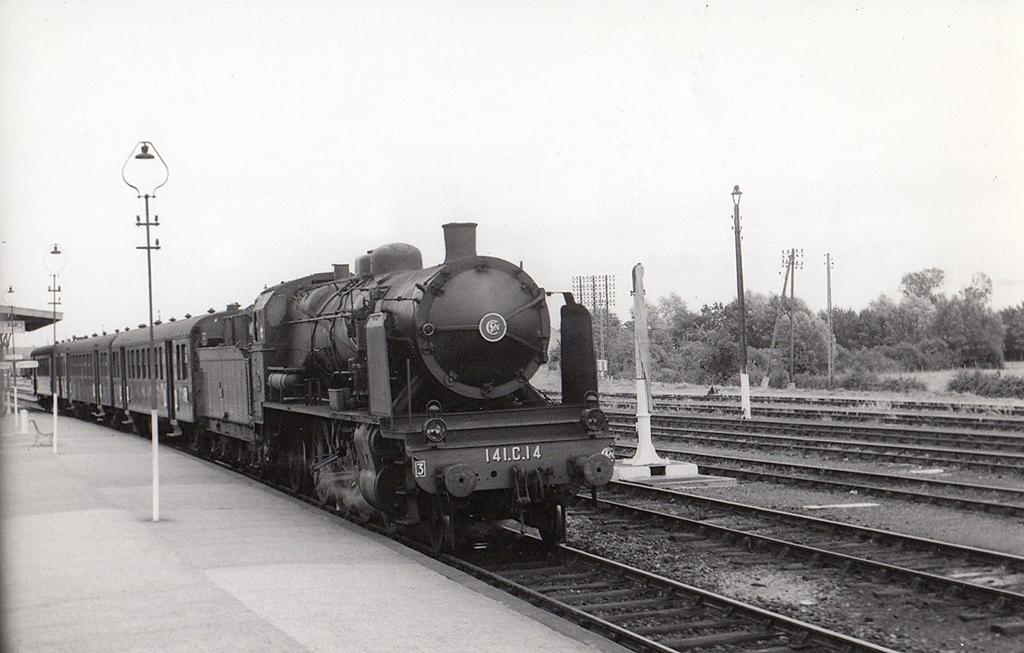 140 C 17 entre Chartres et Château du Loir - Juillet 1959 - Photo: Jacques Bazin