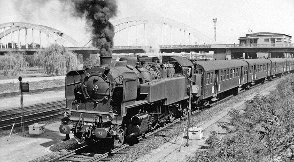 141 TD 128 - Acheres - 1958 - Photo: Ben Brooksbank